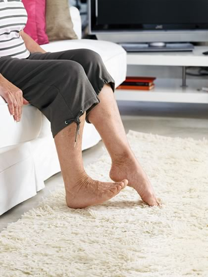 у бабушки болят суставы в ногах народные средства